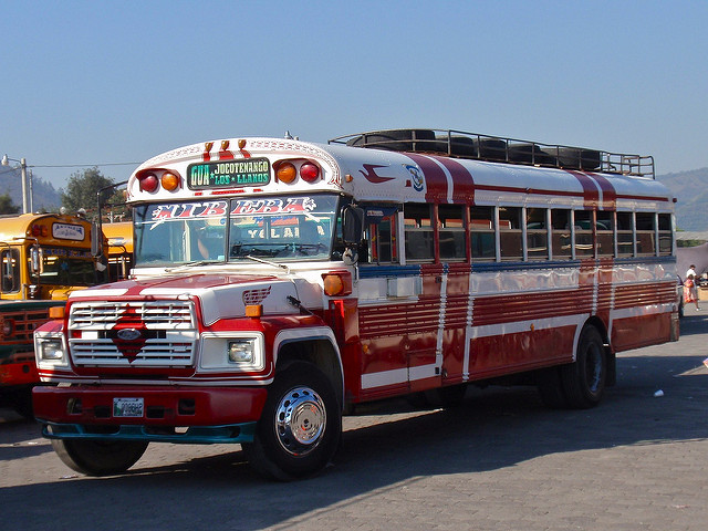 Guide to Chicken Buses - CheckMyBus